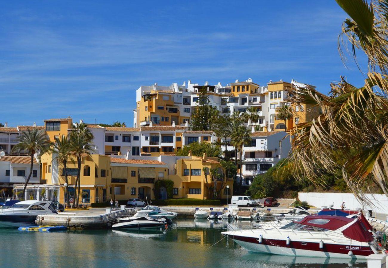 Apartment in Marbella - Casa Danesa Marbella - Community: sauna, jacuzzi, heated pool, gym