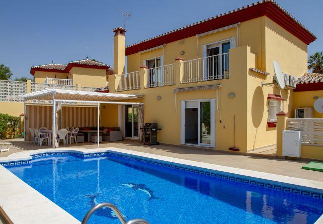Villa/Dettached house in Caleta de velez - 384 Samara