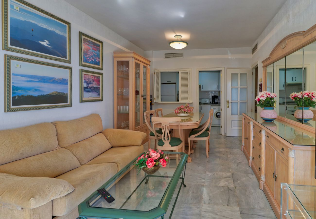 Apartment in Fuengirola - Doña Sofia Fuengirola - Beach Apartment, parking, Wi-Fi, sea view