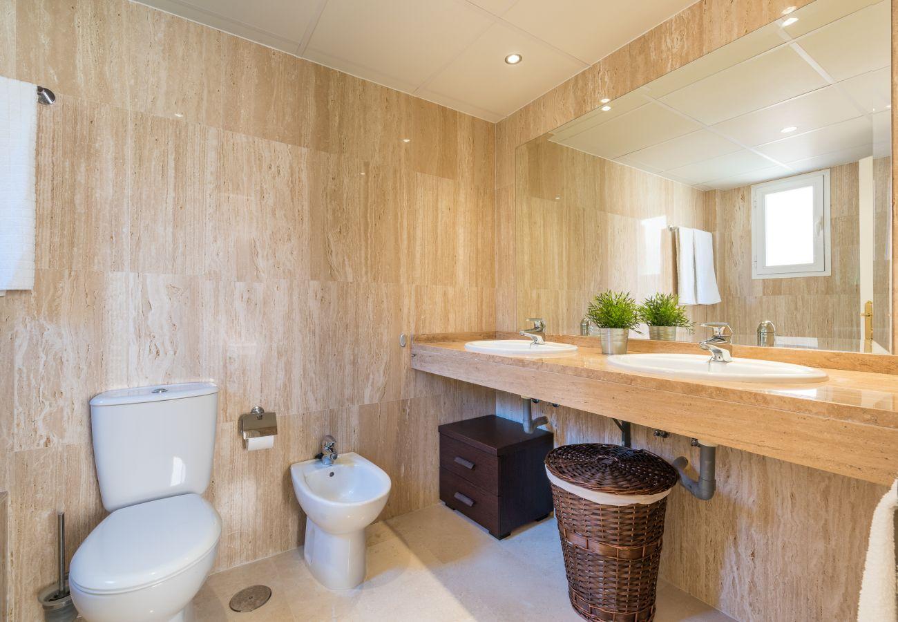 Apartment in Marbella - Santa Maria, Marbella - Exclusive 2 level Penthouse, Sea View, Parking