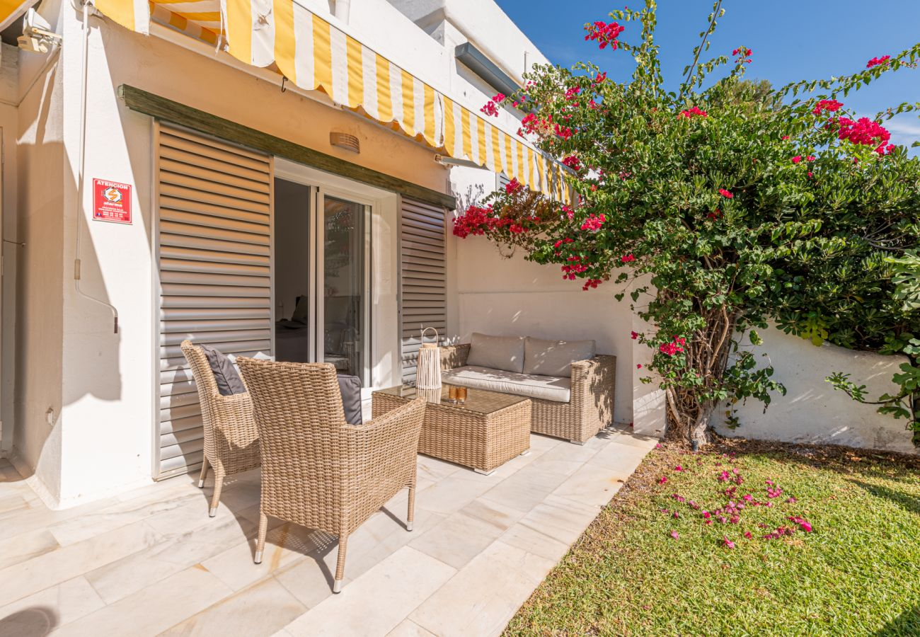 Apartment in Marbella - Azahara Marbella - Modern decorated apartment with lovely terrace view