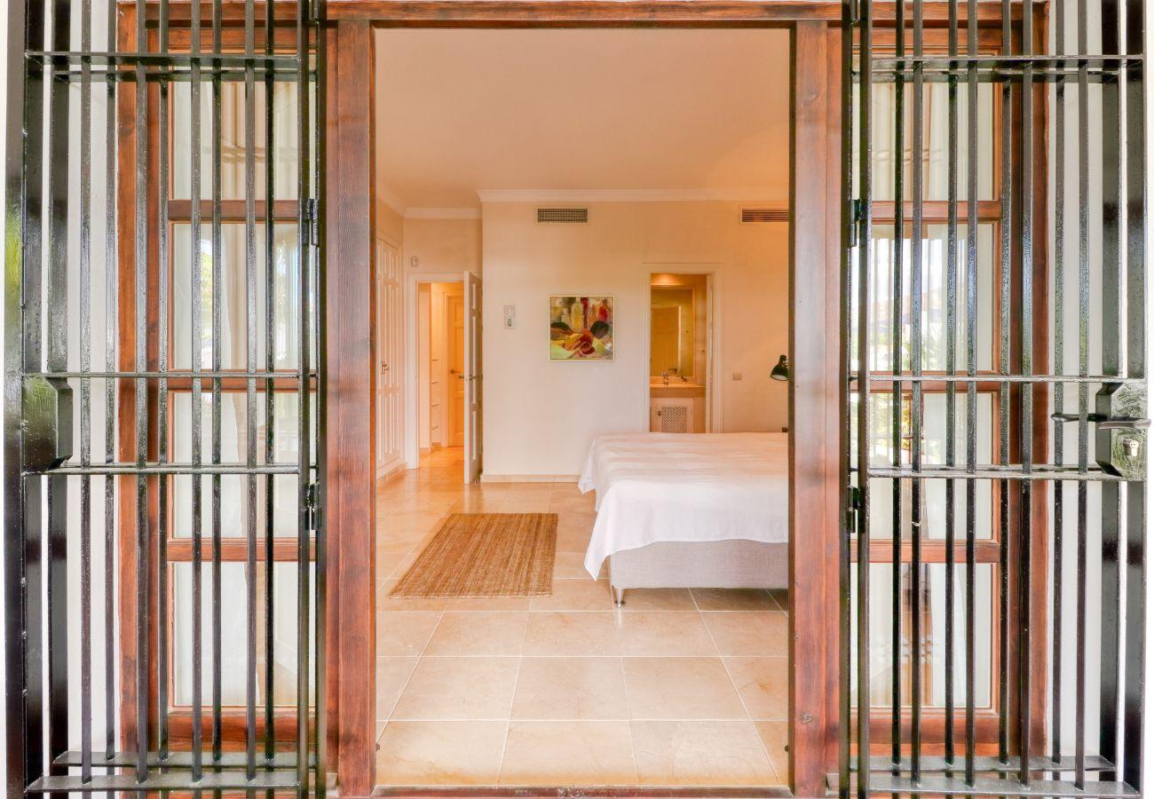 Apartment in Marbella - La Solana de Nagüeles, Golden Mile Marbella, apartment w/ private pool