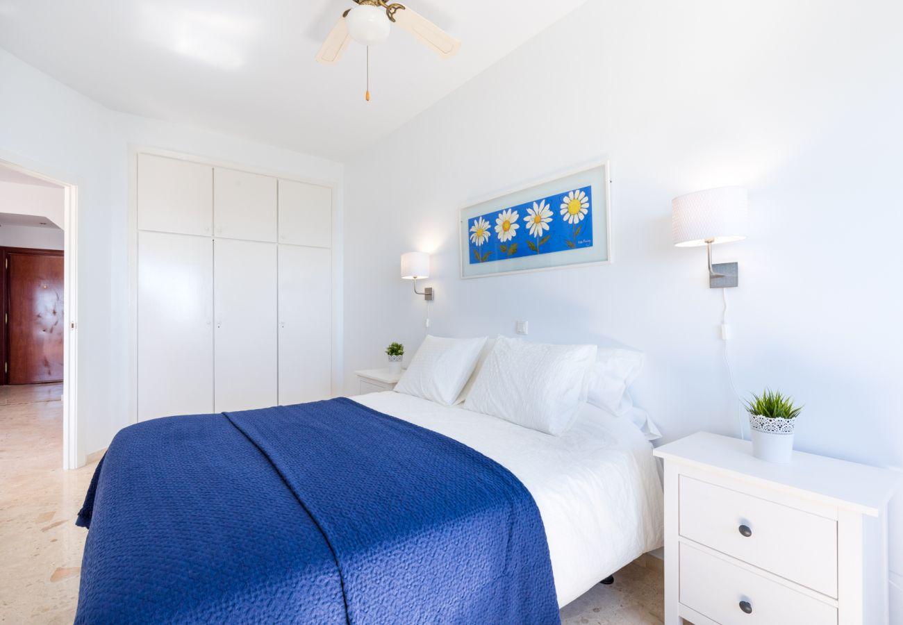 Apartment in Mijas Costa - Algaida Beach Apartment, Calahonda de Mijas