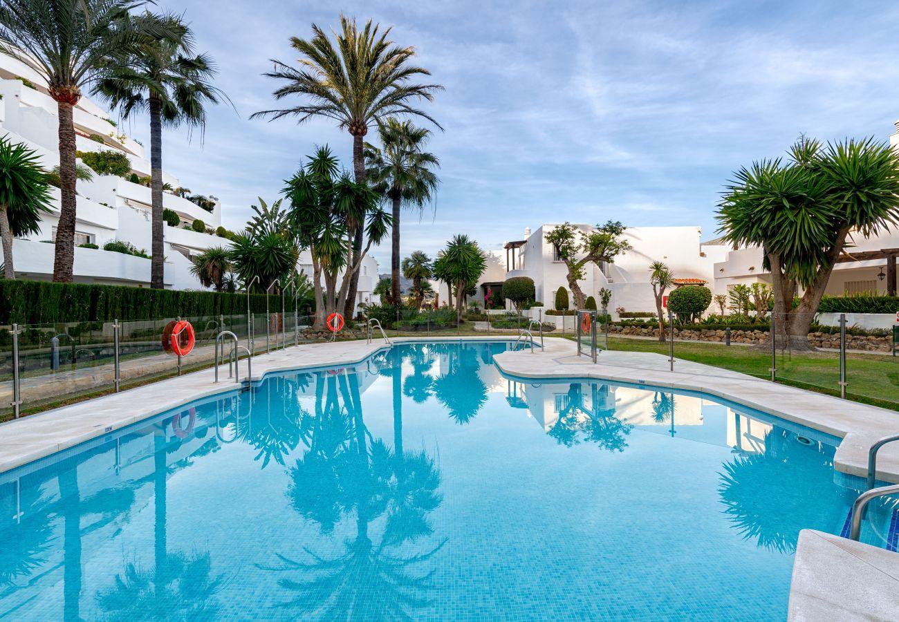 Apartment in Puerto Banus - Jardines de Puerto Banus - Sophisticated Contemporary, Amazing view